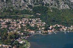 Adriatic kust av Montenegro tid för fjärdkotormontenegro morgon Royaltyfri Bild