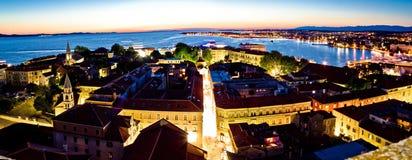 Adriatic stad av den Zadar antennpanoramat Arkivfoto