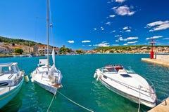 Adriatische coas in der Stadt von Tisno Lizenzfreies Stockfoto
