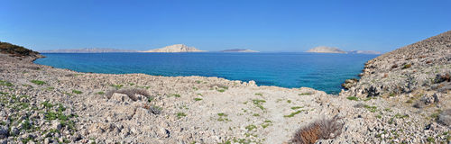 Adriatische felsige Küste in Dalmatien Stockbilder