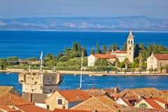 Adriatische Insel der Kraftseeseite Stockfoto