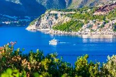 Adriatische Küste in Dubrovnik Riviera, Süd-Kroatien Stockbild