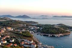 Adriatische Küste am Sonnenuntergang Stockbilder