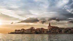 Adriatische Küste in Umag Kroatien Stockbild
