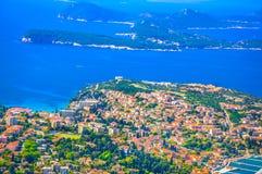 Adriatische Küstenlandschaft in Kroatien Stockbild