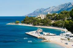 Adriatische Küstenlinie Brela, Makarska Riviera, Kroatien Stockbild