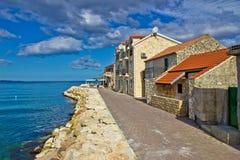Adriatische kust - stad van waterkant Bibinje Stock Afbeeldingen