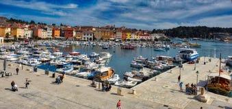 Adriatische Mittelmeerküstenlinie Stockbilder