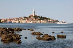 Adriatische Seeküste bei Rovinj Lizenzfreie Stockfotos
