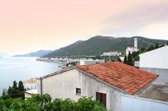 Adriatische Seeküste an der Dämmerung Lizenzfreie Stockbilder