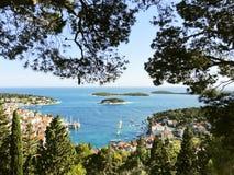 Adriatische Seeküste von Hvar-Insel in Dalmatien Stockfoto