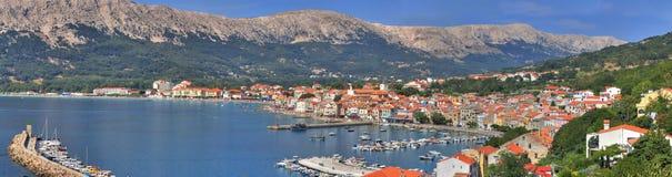Adriatische Stad van panorama Baska Stock Foto