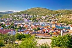 Adriatische Stadt der Jachthafenvogelperspektive Lizenzfreie Stockbilder