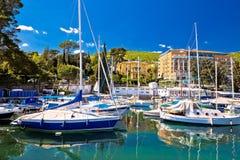 Adriatische Stadt der Opatija-Türkis-Hafenansicht Stockbild