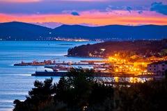 Adriatische Stadt der Pakostane-Abendansicht Lizenzfreie Stockbilder
