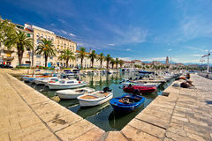 Adriatische Stadt der Spaltenansicht Stockbild