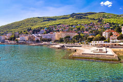 Adriatische Stadt des Opatija-Ufergegendpanoramablicks Stockfotografie