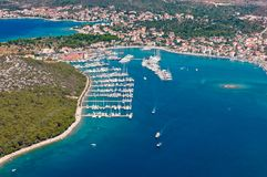 Adriatische Stadt des Rogoznica-Segelnhafens, Jachthafen, Dalmatien, Kroatien Stockbilder