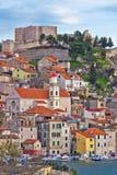Adriatische Stadt von Sibenik-Ufergegend Lizenzfreie Stockbilder