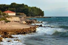 Adriatische Ufer der Insel Ugljan Lizenzfreie Stockfotos