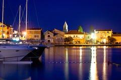 Adriatische Ufergegendansicht Stadtods Sukosan Stockfotos