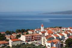 Adriatischer beliebter Erholungsort Promajna Lizenzfreie Stockfotografie