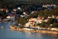 Adriatischer beliebter Erholungsort Tisno Stockfotos