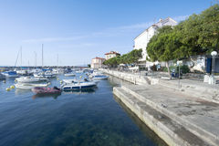Adriatischer Fischereihafen, szenische Ansicht Lizenzfreie Stockfotografie