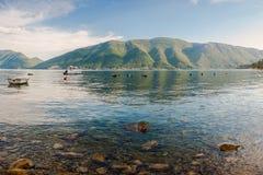 Adriatischer Meerblick mit Boot Lizenzfreie Stockbilder