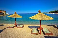Adriatischer Strand des Türkises in Primosten Lizenzfreies Stockbild