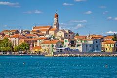 Adriatisches Dorf von Betina-Skylinen Stockfotos