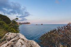 Adriatisches Küsten-Panorama nahe Petrovac Stockfotografie