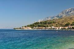 Adriatisches Meer bei Podgora in Kroatien Stockfotos