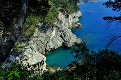Adriatisches Meer, felsige Küste, saubere Himmellandschaft der Mittelmeerregion, Montenegro Stockbilder