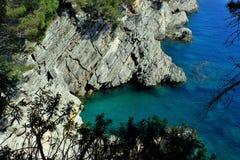 Adriatisches Meer, felsige Küste, saubere Himmellandschaft der Mittelmeerregion, Montenegro Stockfotos