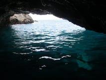 Adriatisches Meer, Montenegro, blaue Höhle Stockfotografie