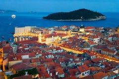 Adriatisches Meer und alte Stadt mit Kirche Dubrovnik St. Blaise Lizenzfreie Stockfotografie