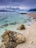 Adriatisches Meer und Boot Stockfotografie