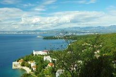 Adriatisches Meer und der bewölkte Himmel Stockbilder