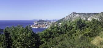 Adriatisches Meer und Dubrovnik - Panorama/Dalmatien, Kroatien Stockfotos