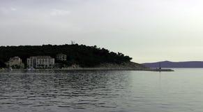 Adriatisches Meer und Hotel Osejava in Makarska, Kroatien Stockfoto