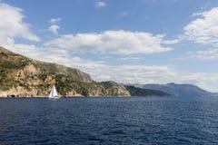 Adriatisches Meer und Küstenlinie nahe Dubrovnik Stockfoto