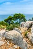 Adriatisches Seeansicht bei Rovinj, populärer touristischer Bestimmungsort der kroatischen Küste Lizenzfreies Stockbild