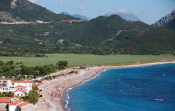 Adriatisches Seeküstenlandschaft. Buljarica-Strand Lizenzfreies Stockfoto