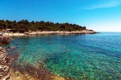 Adriatisches Seeküstenlinie in Kroatien Stockbilder