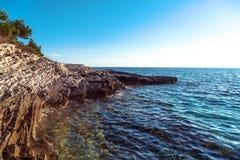 Adriatisches Seeküstenlinie in Kroatien Lizenzfreie Stockfotografie