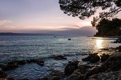 Adriatisches Seesonnenuntergangansicht, Küste Kroatiens, Dalmatien Makarska Lizenzfreie Stockfotografie