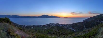 Adriatisches Seesonnenuntergangansicht Orikum, Albanien Stockbilder