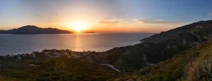 Adriatisches Seesonnenuntergangansicht Orikum, Albanien Lizenzfreie Stockbilder