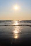 Adriatiska havet kustsolnedgång Arkivbild